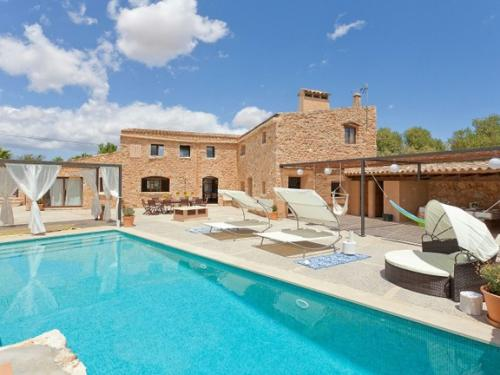beautiful-natural-stone-house-with-swimming-pool-and-bodega-in-biniali.jpg