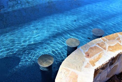 Solid Rock Pools & Spas